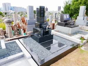 外柵墓石ともにインパラブルー